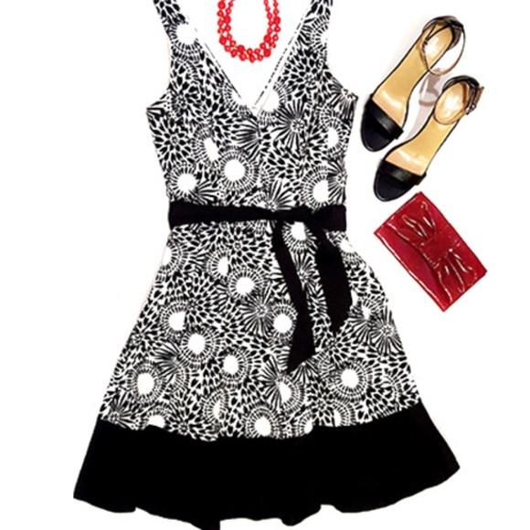 d9d402239535 Nine West black white swing dress